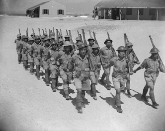 Māori Battalion route marching at Maadi, Egypt.